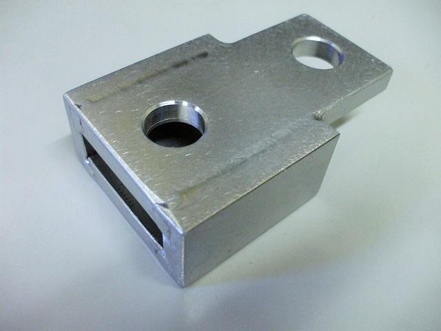 フロア研磨機連結用アタッチメント